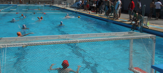 La v jornada de waterpolo de secundaria re ne a cien for Piscina municipal motril